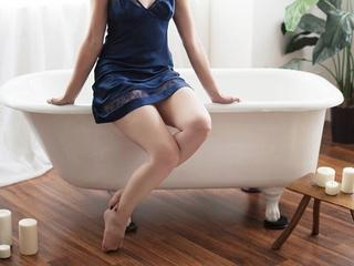 Rina3838 - Shopping, sex, fun - Hi. I am Rina. Welcome to my room.  You will be happy to meet me! Let's have fun!  - Alter: 35 / Taurus - Größe: 167 / normal - Geschlecht: female - Ausrichtung: heterosexual - Haare: brunette / long - Piercing: none - BH-Größe: A - Hautfarbe: white - Augen: brown - Rasur: fully shaved